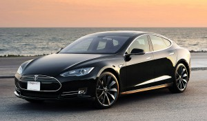 Tesla'da Hedef Güneş Panelli Araçlar